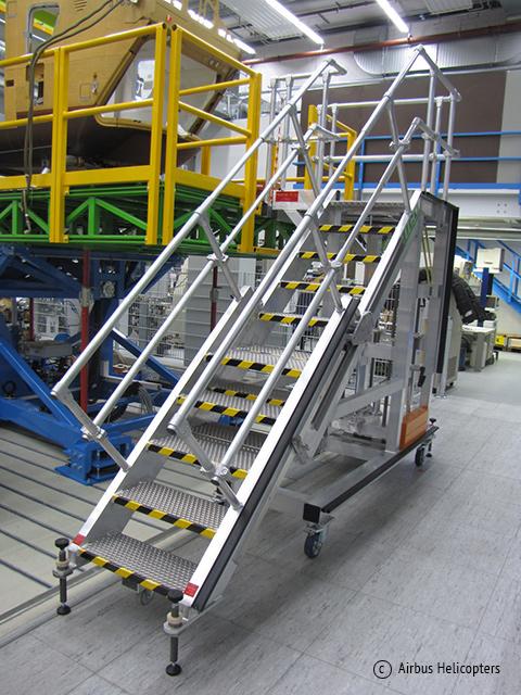 LICO GmbH - Aufstiegsbühne Arbeitsbühne als Sonderanfertigung aus Aluminium Leichtbauweise für Airbus Helicopters